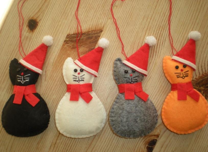 Keep cats safe at Christmas